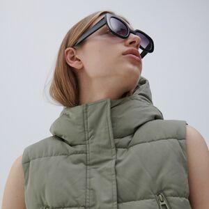 Reserved - Prošívaná vesta s kapucí - Zelená