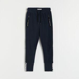 Reserved - Kalhoty jogger s kapsami - Tmavomodrá