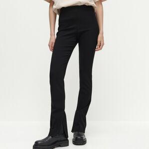 Reserved - Strečové kalhoty svysokým podílem látky EcoVero - Černý