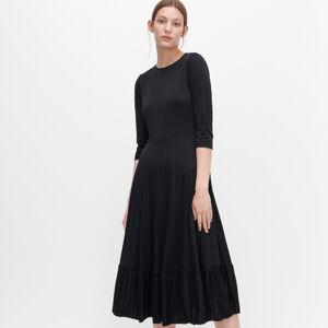Reserved - Šaty s průstřihem na zádech - Černý
